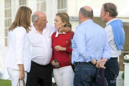 Amancio Ortega Gaona Photo with Family