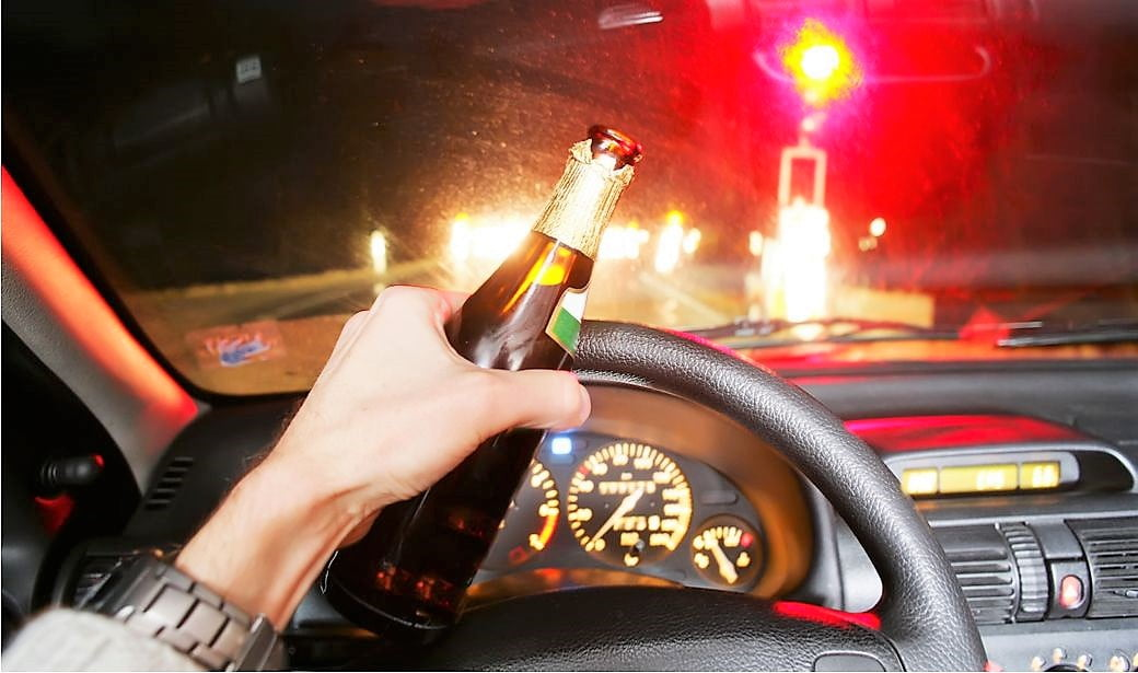 Drinking alcohol and driving increases the risk of a crash